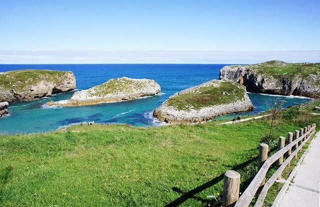 Playa de Cué nas Asturias