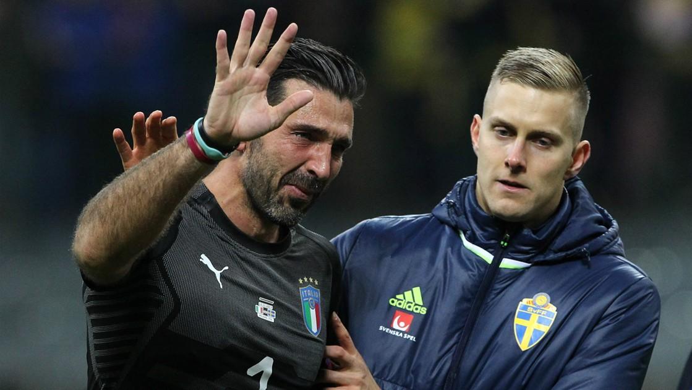 Gianluigi-Buffon-gia-tu-tuyen-Italia