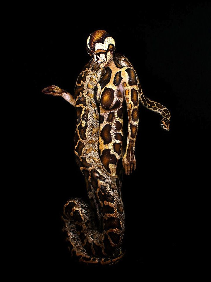 Body painting serpiente