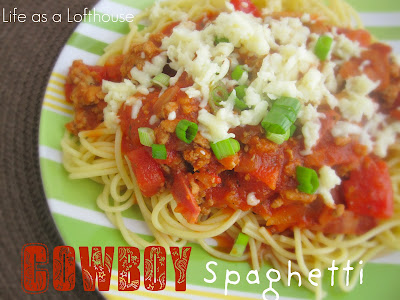 Cowboy Spaghetti is noodles topped with lean ground turkey, turkey bacon, onion and Mozzarella cheese. Life-in-the-Lofthouse.com