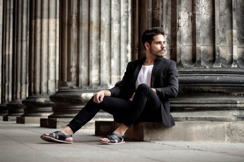 How to Rock with Men Sandals