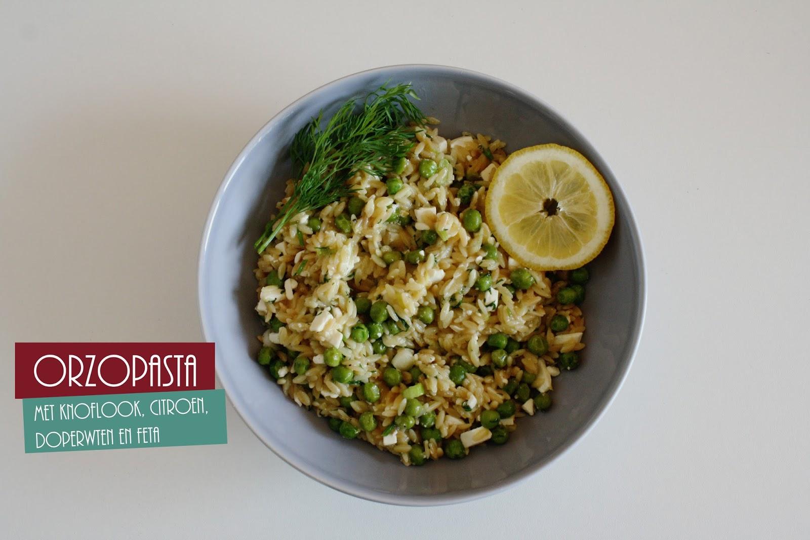 Food: Orzopasta met knoflook, citroen, doperwten en feta; thestoryhour.nl