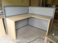 Bentuk L - Meja Sekat Kantor Semarang