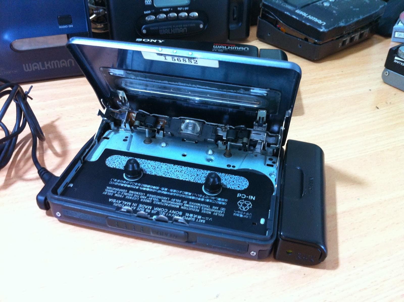 sony wm ex 600 walkman blue portable cassette player vintage audio. Black Bedroom Furniture Sets. Home Design Ideas
