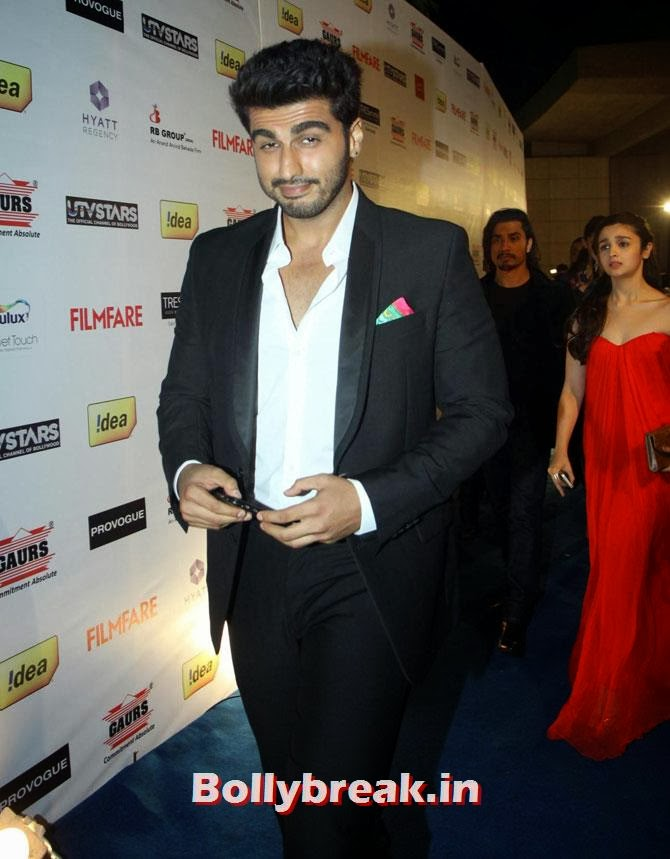 Arjun Kapoor, Filmfare party Candid Pics - Huma, Deepika, Sonam