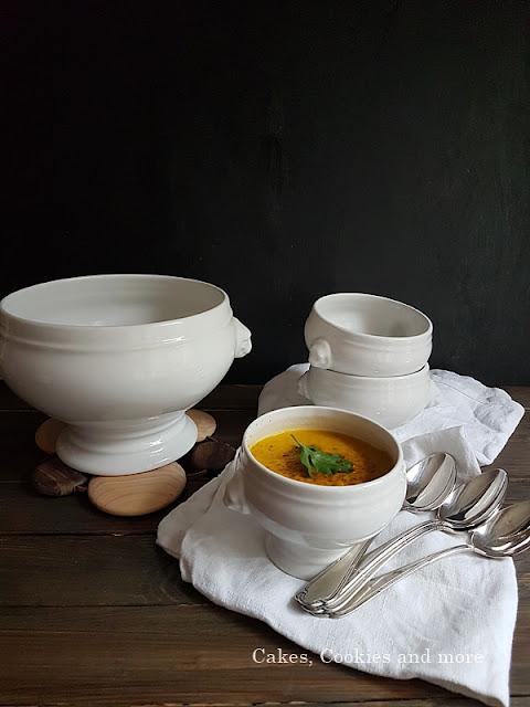 Vegane Karottensuppe mit Ingwer und Curry