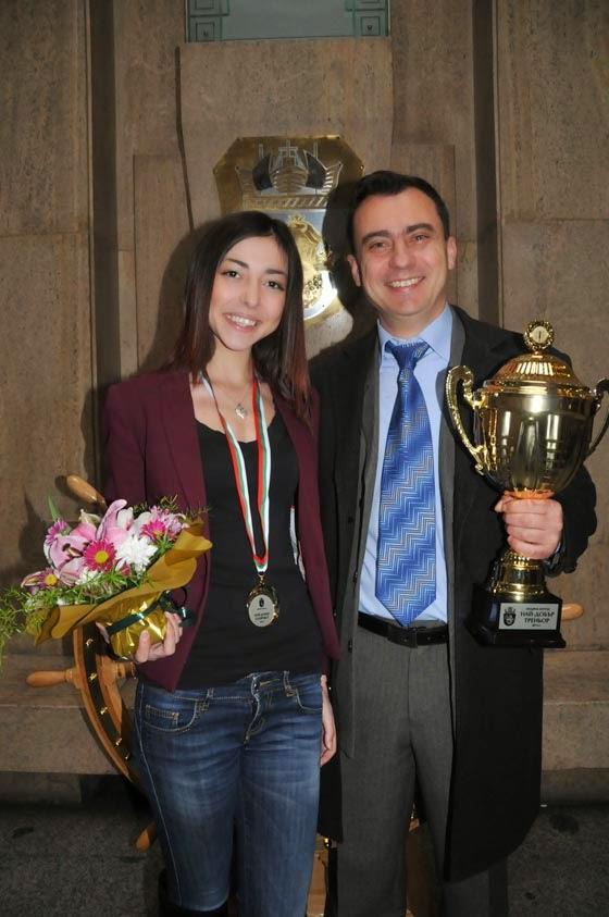 Камелия с нейния треньор по китайски бойни изкуства Стефан Колев
