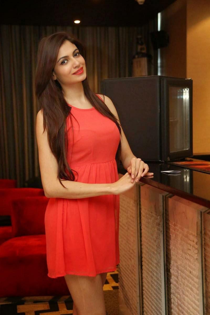 Simran Kaur Mundi images, Pics of Indian Girl in short Dress wearing long buits - Simran Kaur Mundi