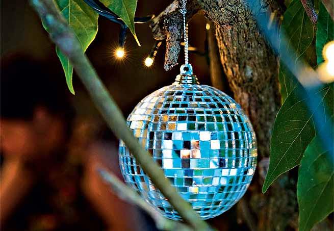 Resultado de imagem para decoração de natal com globo espelhado