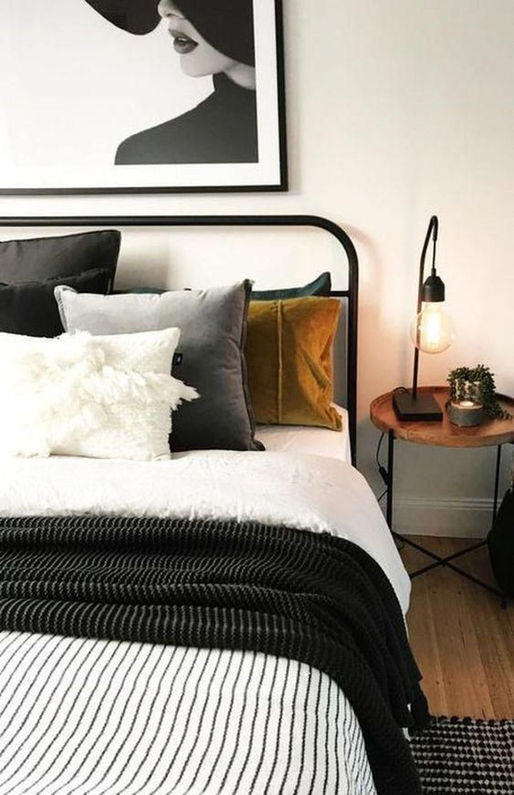 Best Small Bedroom Ideas On A Budget
