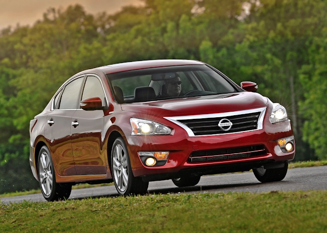 2013 Nissan Altima red sedan