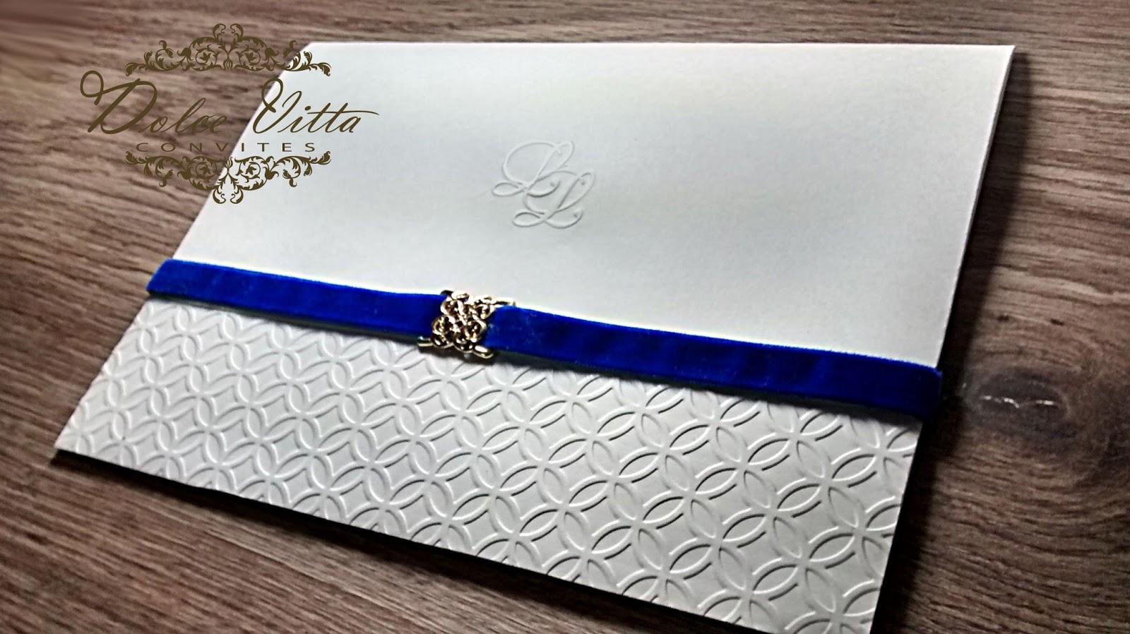 parte interna letras azul e lindo vegetal com o esboço da Igreja. um convite  grande 862d442223