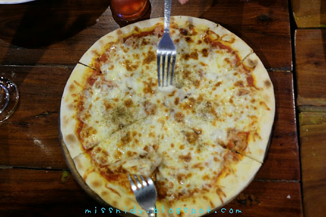 pizza in phiphi island