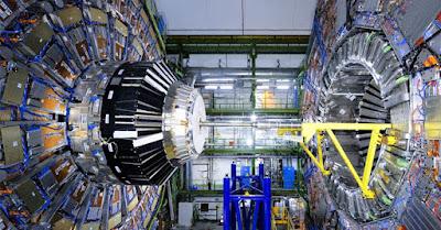 السلسلة المميزة لحظة: آلة الانفجار العظيم (LHC)