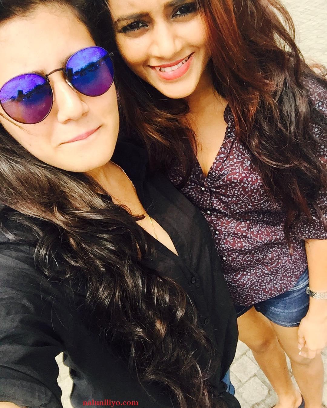 Sri lankan hot girls in denims Dinakshie and Shanudrie sexy