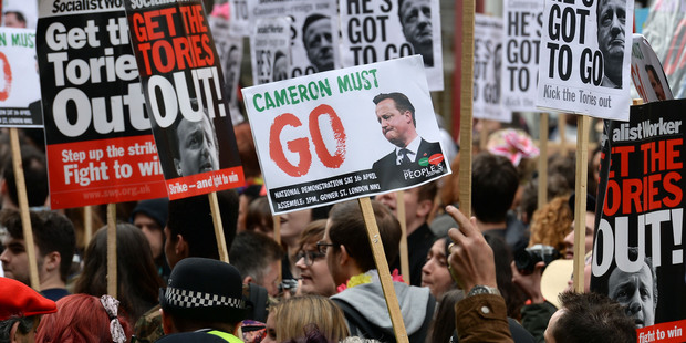 David Cameron tries to draw line under Panama questions
