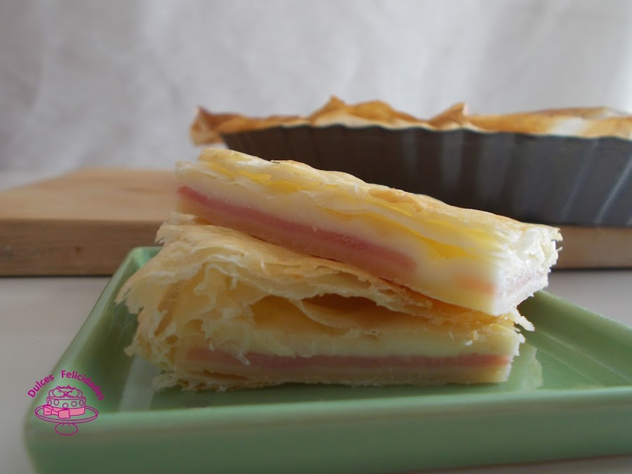 Empanada de hojaldre con york y queso