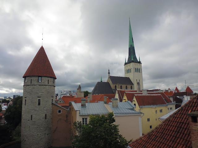Vista desde la azotea de la Torre de Margarita la Gorda (Tallinn)