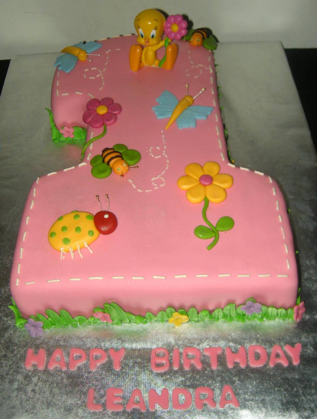 Harshi S Cakes Amp Bakes Looney Tunes First Birhday Cake
