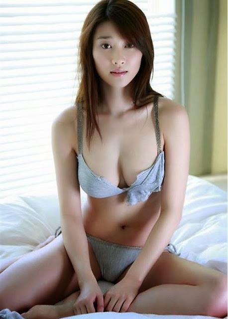 Cùng girl xinh tắm sông 18