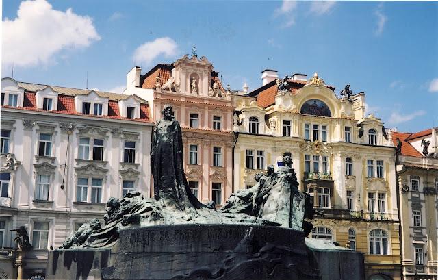 Torget i gamla stan i Prag
