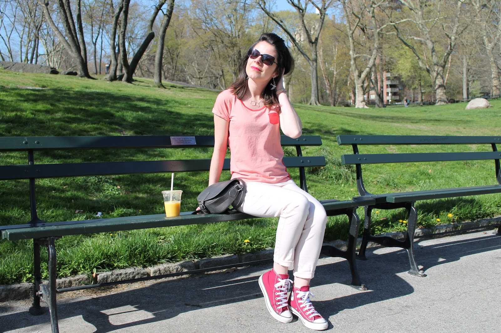 look lookbook ootd mode femme shooting photo central park nyc new york city morning monoprix etam smoothie converse all stars cherry blossom chanel sunglasses dressing post blog les gommettes de melo gomette camaieu bala booste trendy kiss element montre