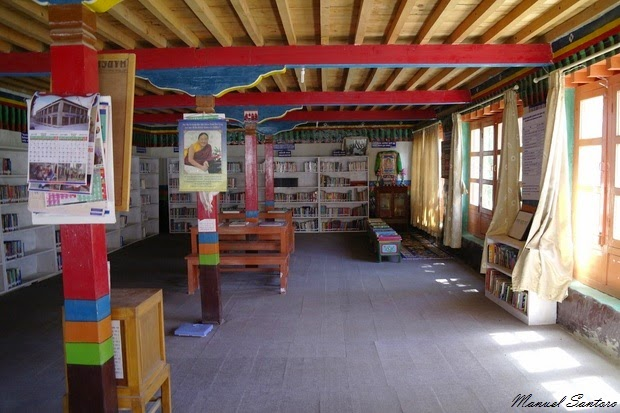 Lo Manthang, Community Center. Biblioteca