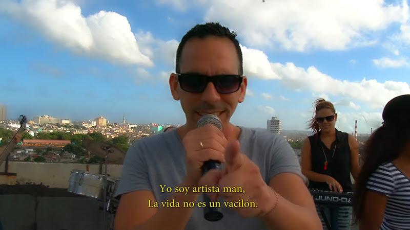 Abel Maceo y su Grupo - ¨Que buena vida de que¨ - Videoclip - Dirección: Marilin Cisneros. Portal Del Vídeo Clip Cubano - 02