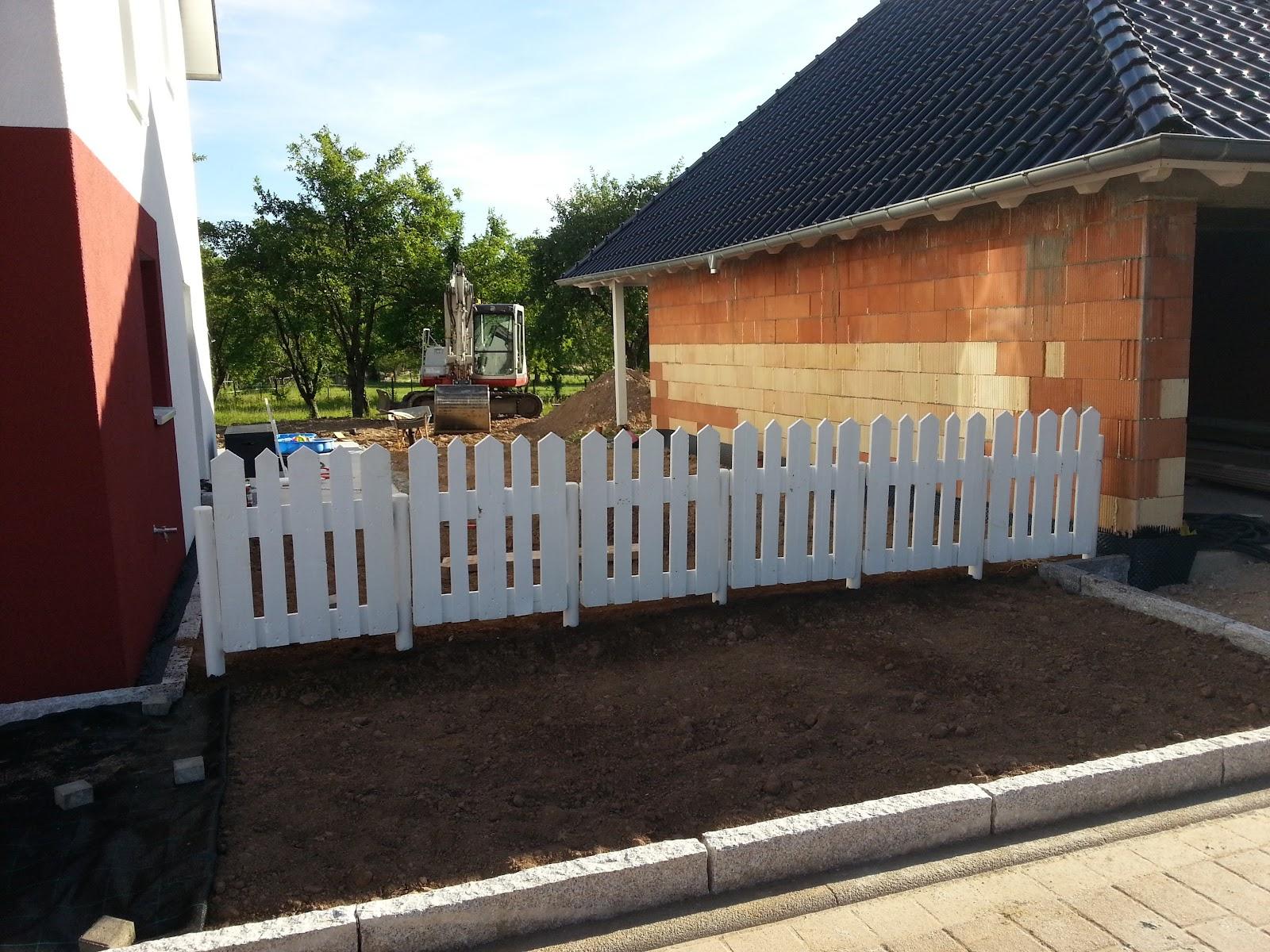 wir bauen ein okal-haus: zaun aus europaletten, Gartenarbeit ideen