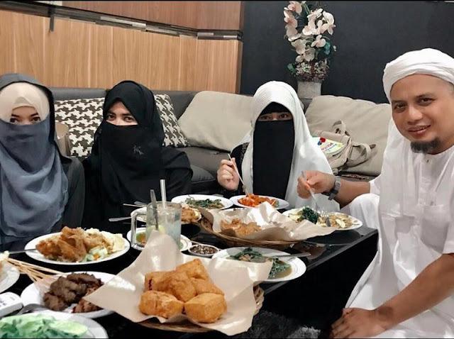 Poligami Ustadz Arifin Ilham