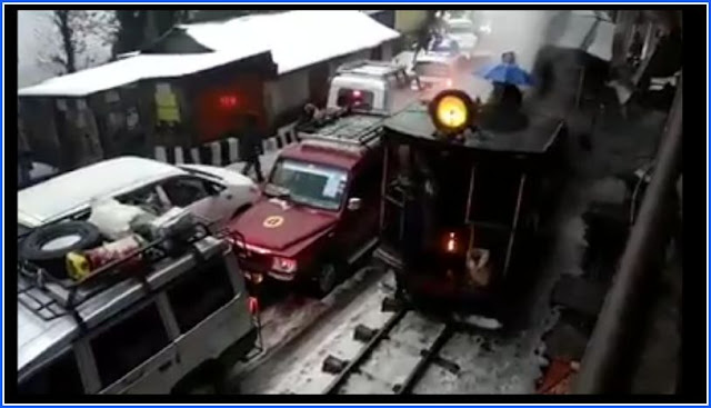 Darjeeling toy train goes off tracks near Darj station