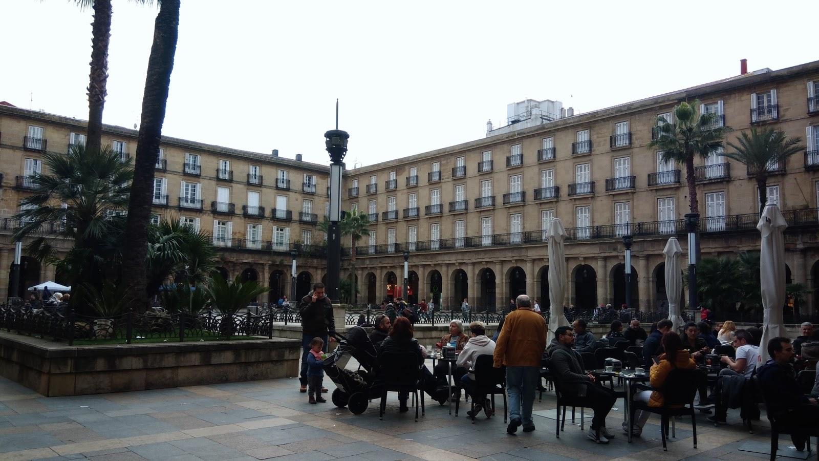 Plaza Nueva w Bilbao