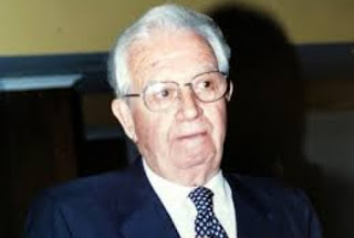 Tenía 93 años y desde hace varios días permanecía internado en la Clínica Otamendi de Capital Federal. Una neumonía complicó su cuadro y dejó de existir