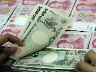 Yuan Turnover Soars in Sign of December Outflow Pressures