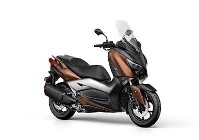 New 2017 Yamaha X-Max 300 scooter Photo