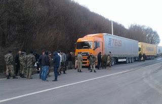 «Правый Сектор» пообещал российским дальнобойщикам виселицы и расстрелы