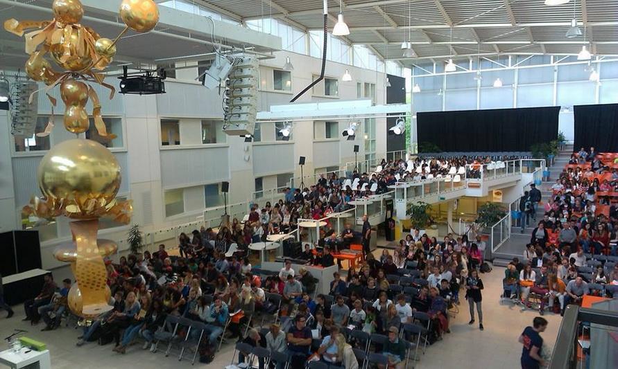 Sinh viên Đại học Khoa học Ứng dụng Hanze dự lễ khai giảng