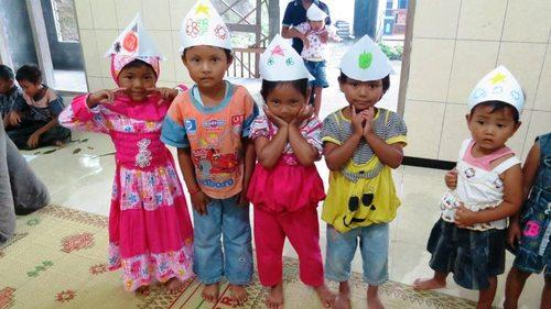 Sekolah berjalan ini diadakan di daerah gunung merapi, Dusun Kali Tengah Lor