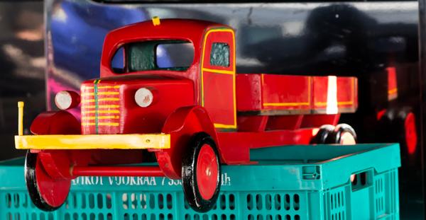 PauMau blogi tapahtumat kesä 2015 rompetori kirppis kirpputori rajamäki nurmijärvi vintage vanha lelu leluauto puinen auto wooden car toy