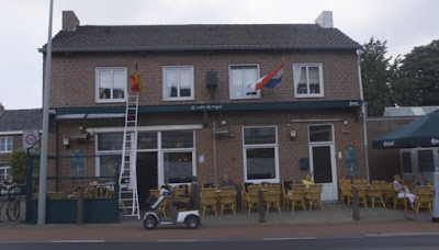 Dutch moved Belgian-Dutch borders to locate cafeteria in Belgian territory