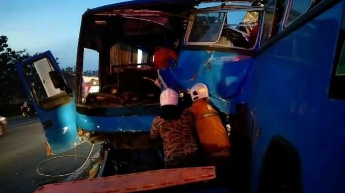 Diduga 8 WNI Tewas, Pada Tabrakan Maut 2 Bus Karyawan Milik Plexus dan Sony di Penang Malaysia