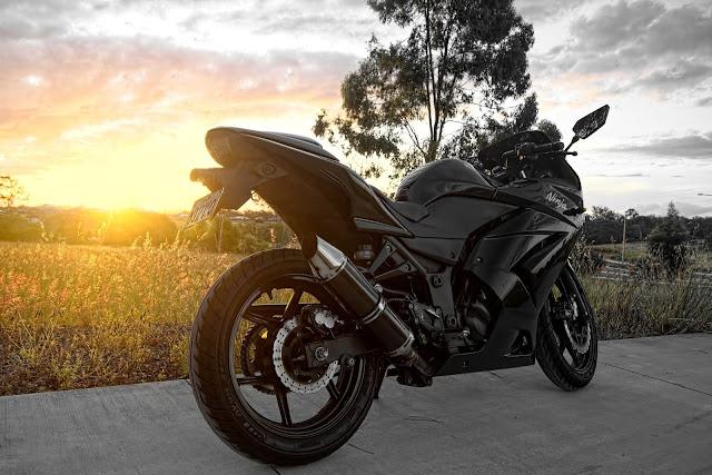 8 moto biker nào cũng muốn sở hữu với vẻ đẹp lạnh lùng  9