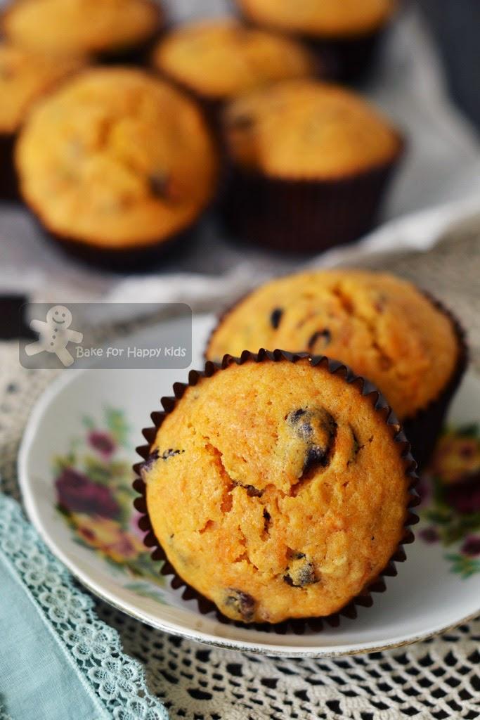 moist cranberry pumpkin muffins Bobby Flay