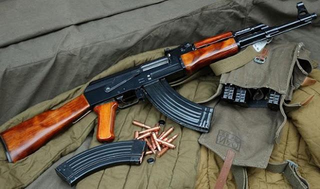 Αστυνομία: Γνωστό το Kalashnikov που χρησιμοποιήθηκε στην επίθεση στα γραφεία του ΠΑΣΟΚ