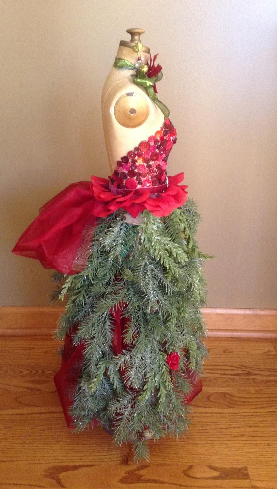Cricutcraftyclare Dress Form Christmas Tree With Quarter