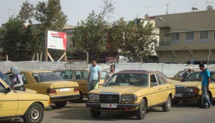 """عامل القنيطرة يرفض """"ترسيم"""" الزيادة في تسعيرة سيارة الأجرة (صورة)"""