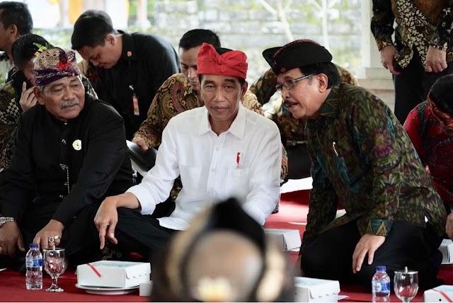 Presiden Serahkan Sertifikat Tanah Adat untuk Pura se-Provinsi Bali