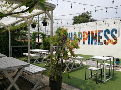 Lokasi dan Harga menu di Happiness