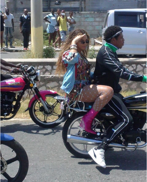 Beyoncé-JAY-Z-ride-motorcycle-in-Jamaica