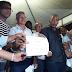 Prefeito Dinha realiza entrega de ruas requalificadas no KM 25